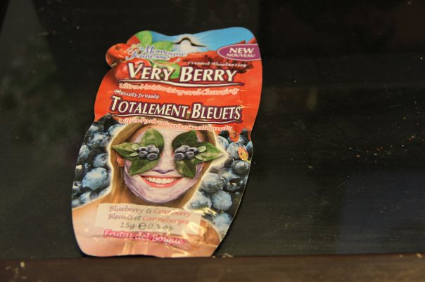 Montagne Jeunesse Blueberry And Cranberry Mask | mitzitup.com