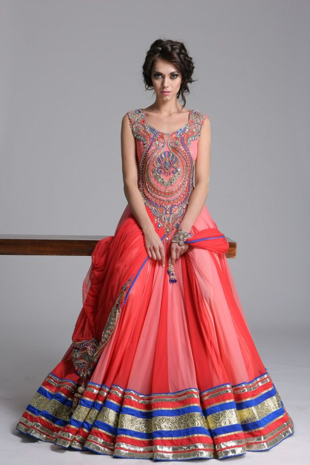 Engagement Dress Inspiration | mitzitup.com