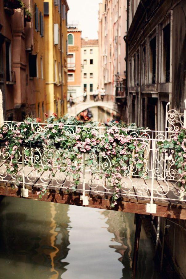 Italian Girls trip inspiration | mitzitup.com